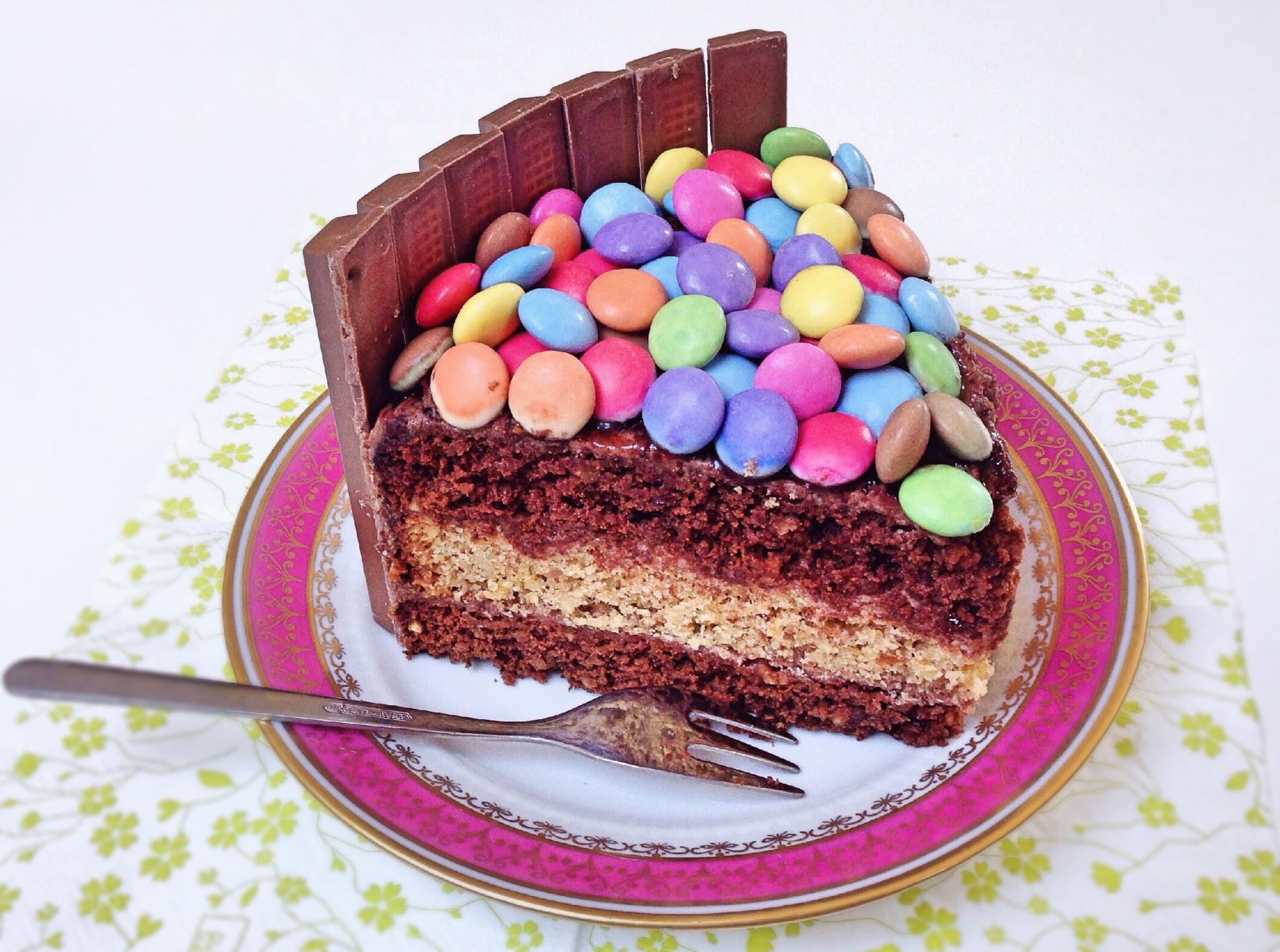 Kitkat Smarties Torte Fur Grosse Kinder Kupferherzblog