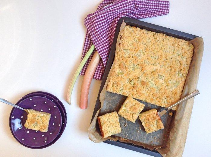 Streusel-Rhabarberkuchen
